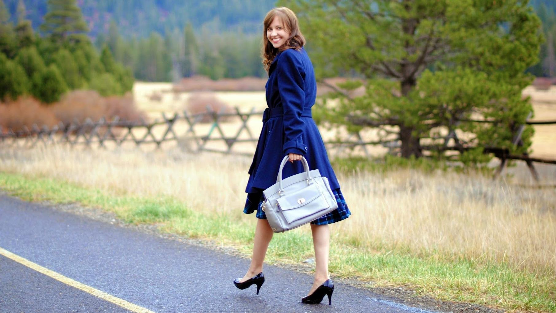Jordana Paige with her handbag